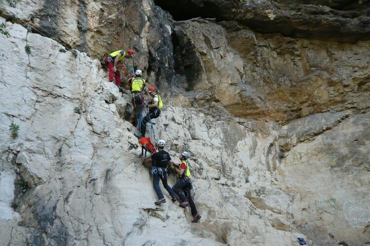 soccorso alpino in parete