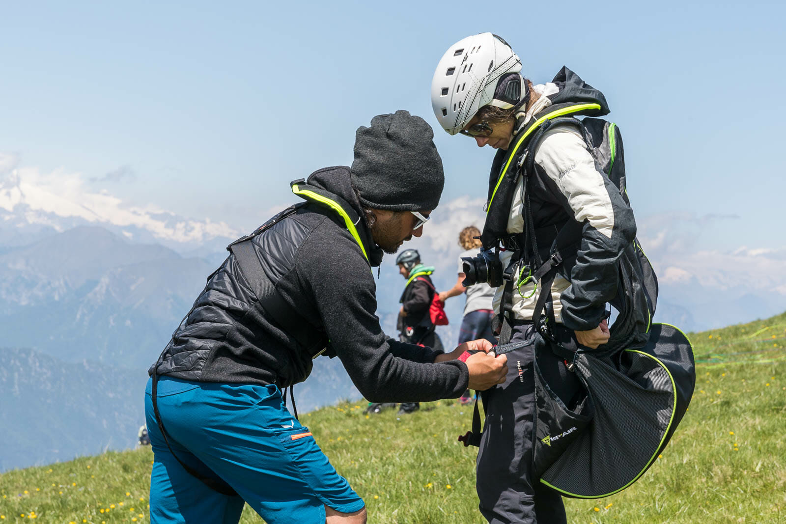 preparation tandem paragliding flight