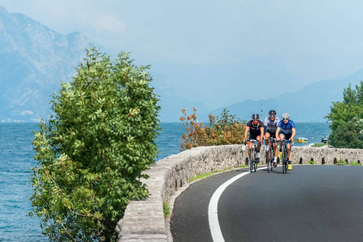 bici da corsa via gardesana