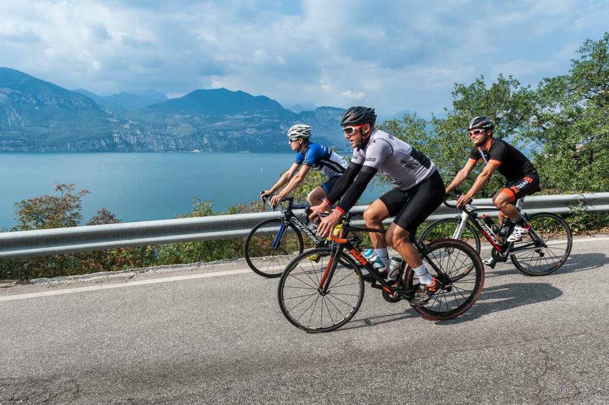 road bike route in brenzone sul garda at lake garda