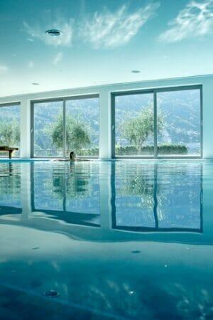 hotel-maximilian-malcesine-lago-di-garda-schwimmbad