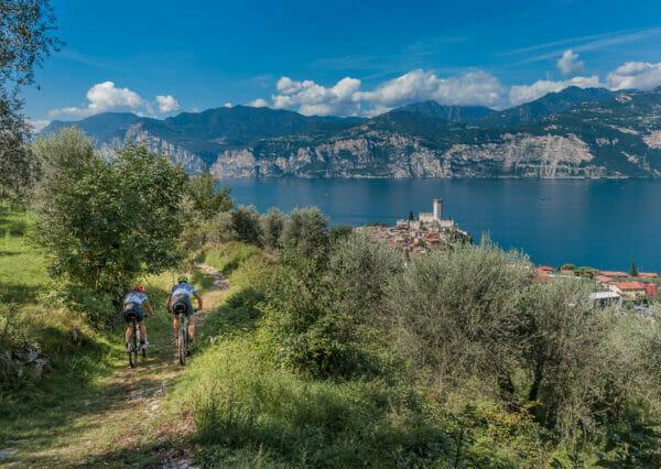 vacco Maultierpfade mit dem fahrrad und seeblick am gardasee