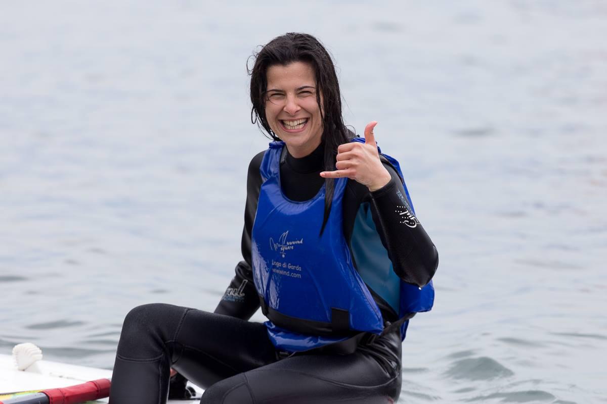 studente di windsurf felice