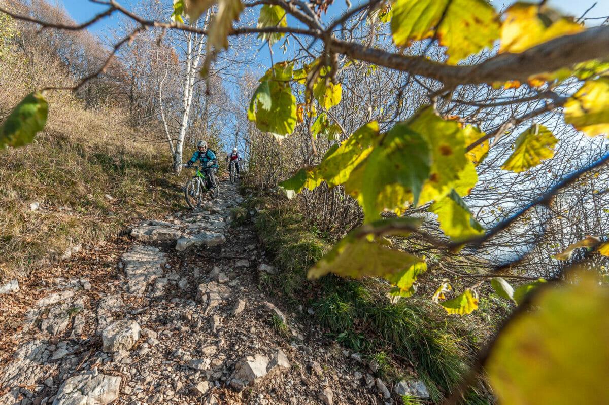 mtb freeride on monte baldo rock