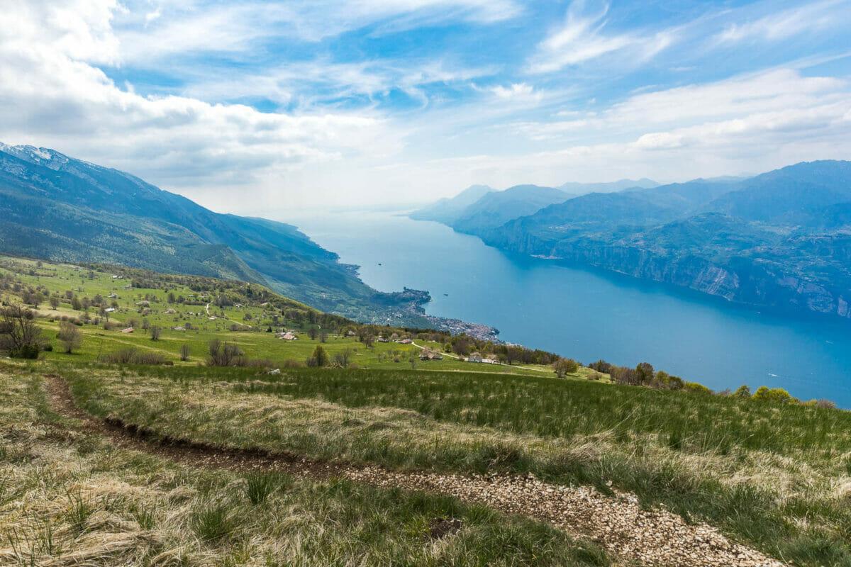 trekking route at prai lake view
