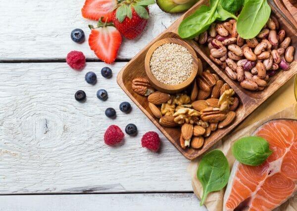 proteine, frutta e grassi buoni
