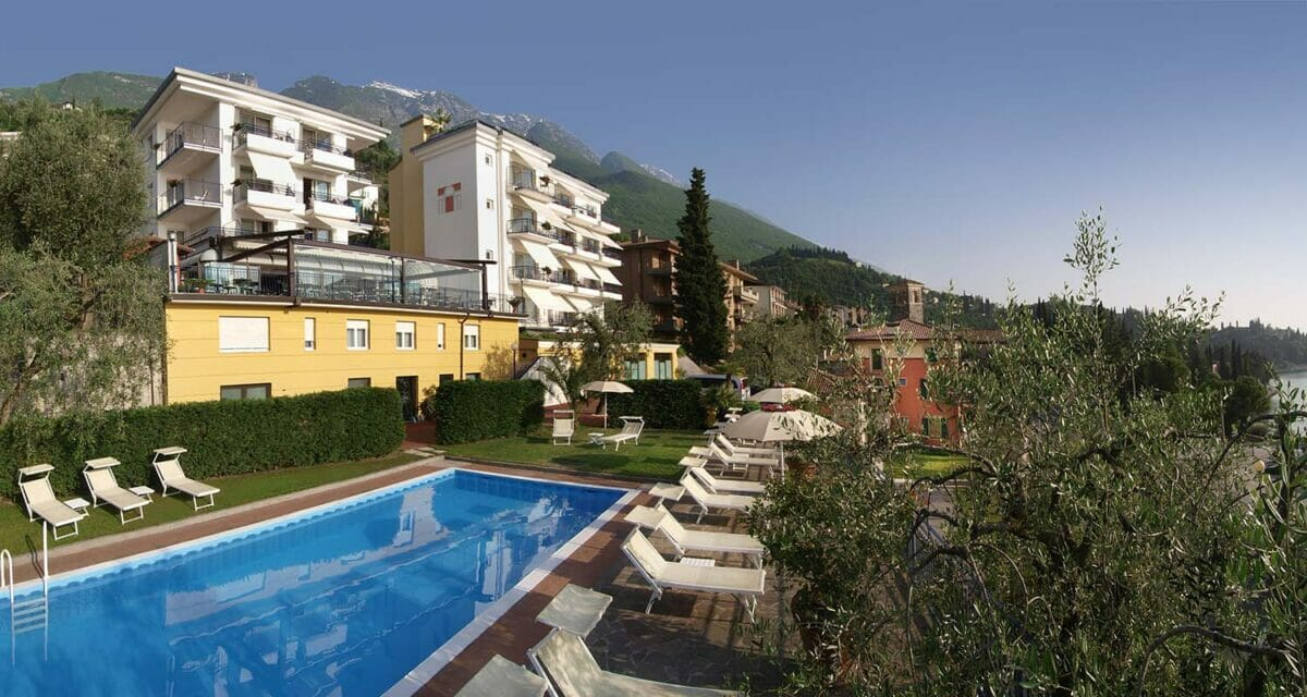 hotel capri with swimming pool and garden
