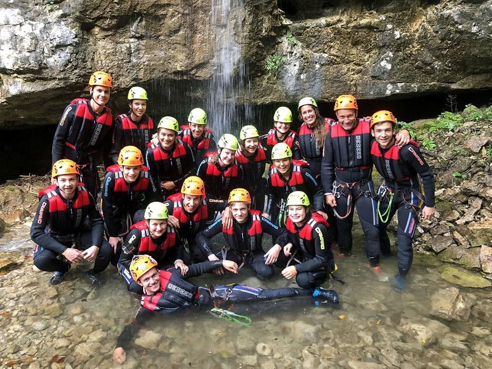 Canyoning Rio Nero gruppo e cascata