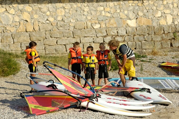wwwind square malcesine windsurf course for children