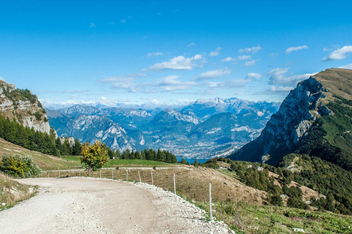 easy walk monte baldo east side