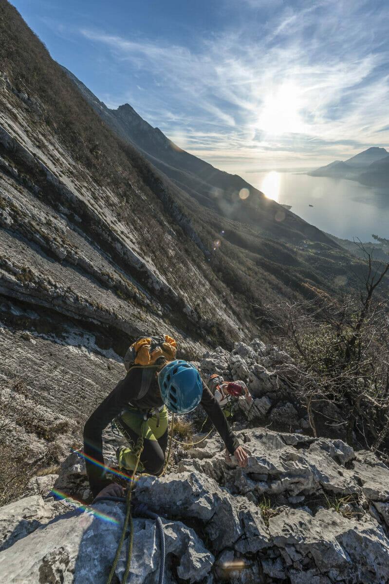in cima alla via alpinistica spigolo bianco
