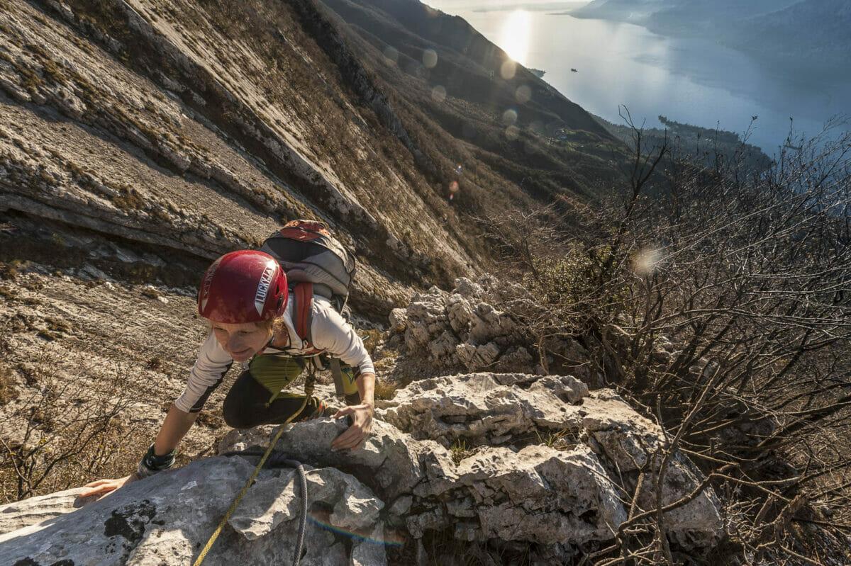 scalatrice sullo spigolo bianco