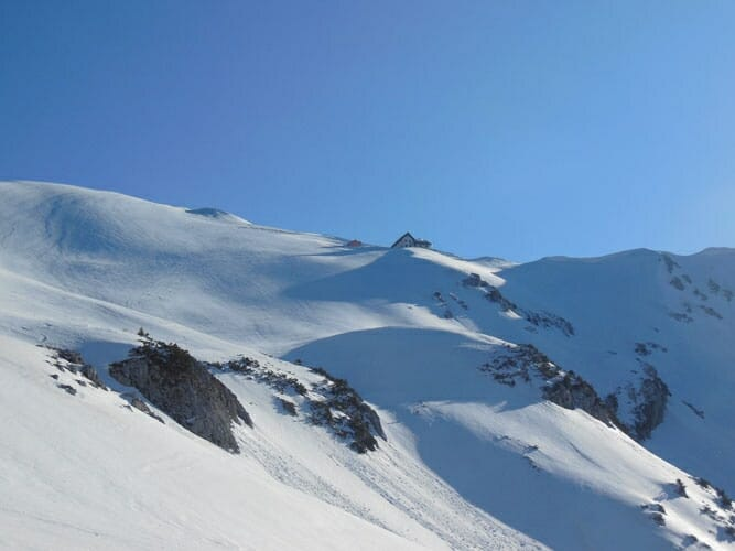 mountain peaks with snow