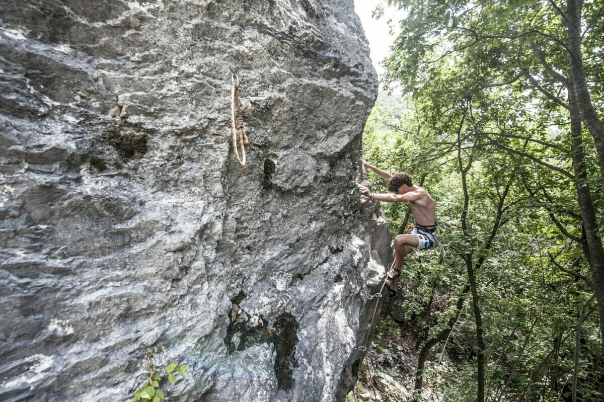 climbing in cassone in the woods