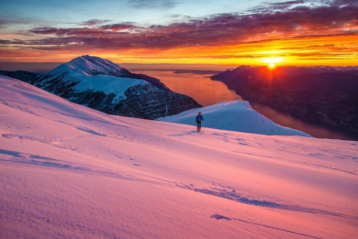 skitouren bei sonnenuntergang