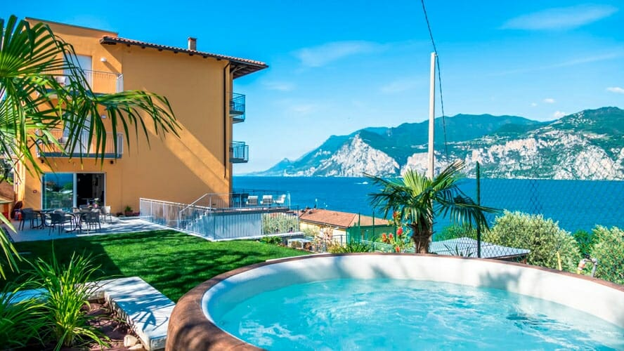 casa marinella jacuzzi with lake view