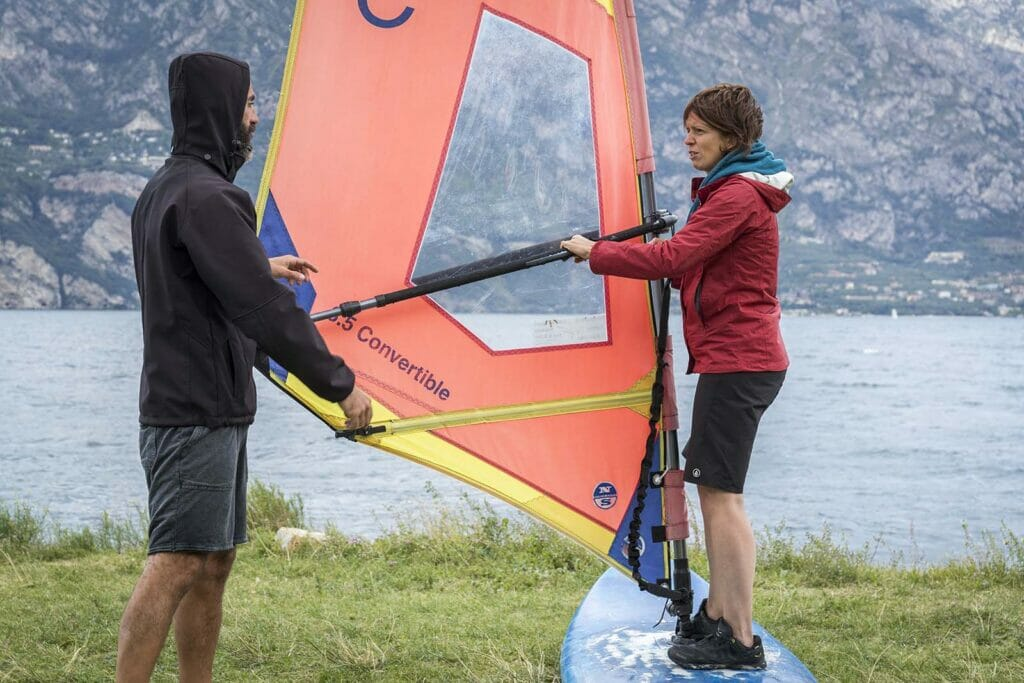 02 beginners windsurfing course the basic 1024x683