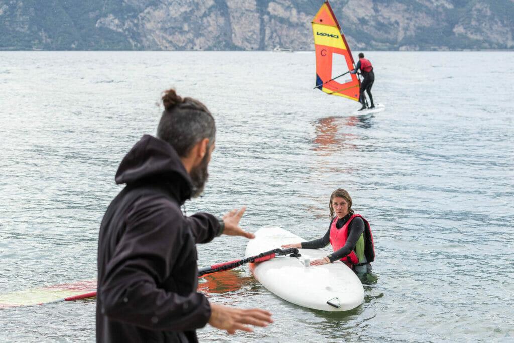 03 corso base di windsurf lago di garda 1024x683