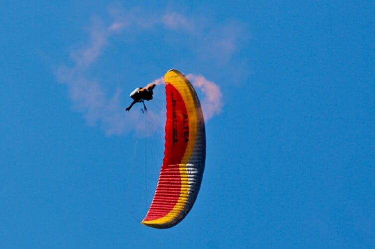 paragliding doing tricks
