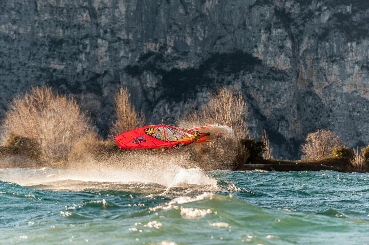fabio calò windsurfing in the storm