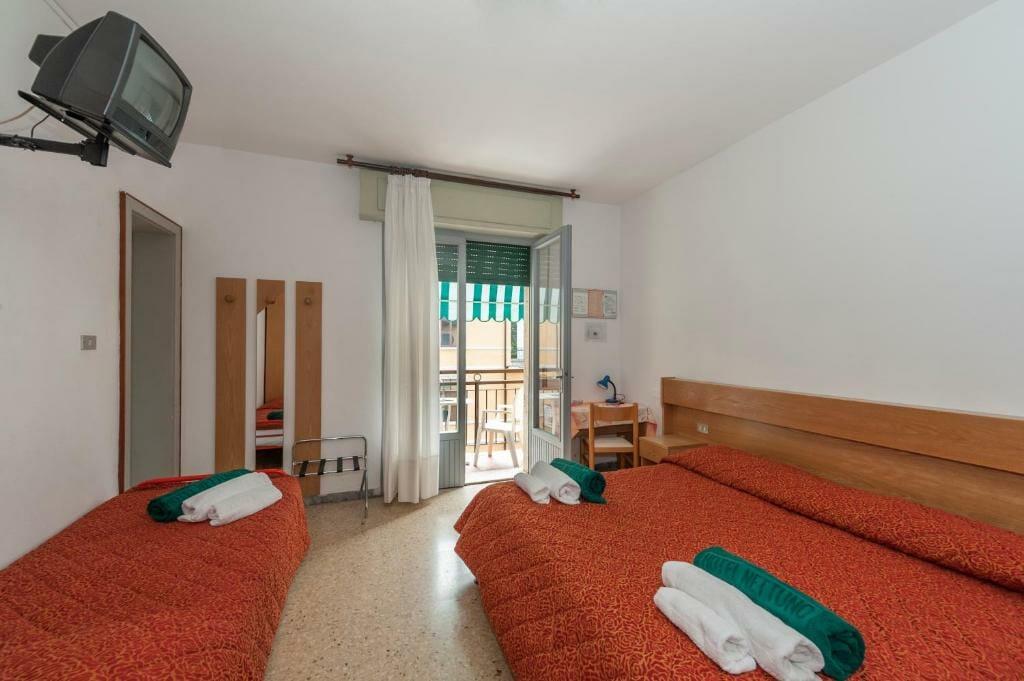 hotel nettuno dreibettzimmer