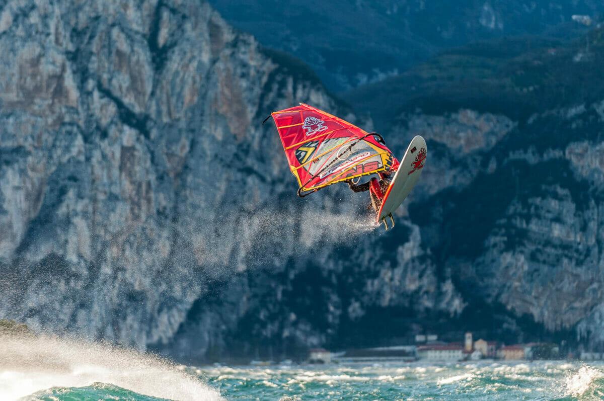 high windsurf jump