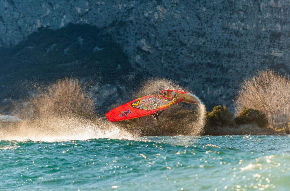 windsurf freestyle on lake garda