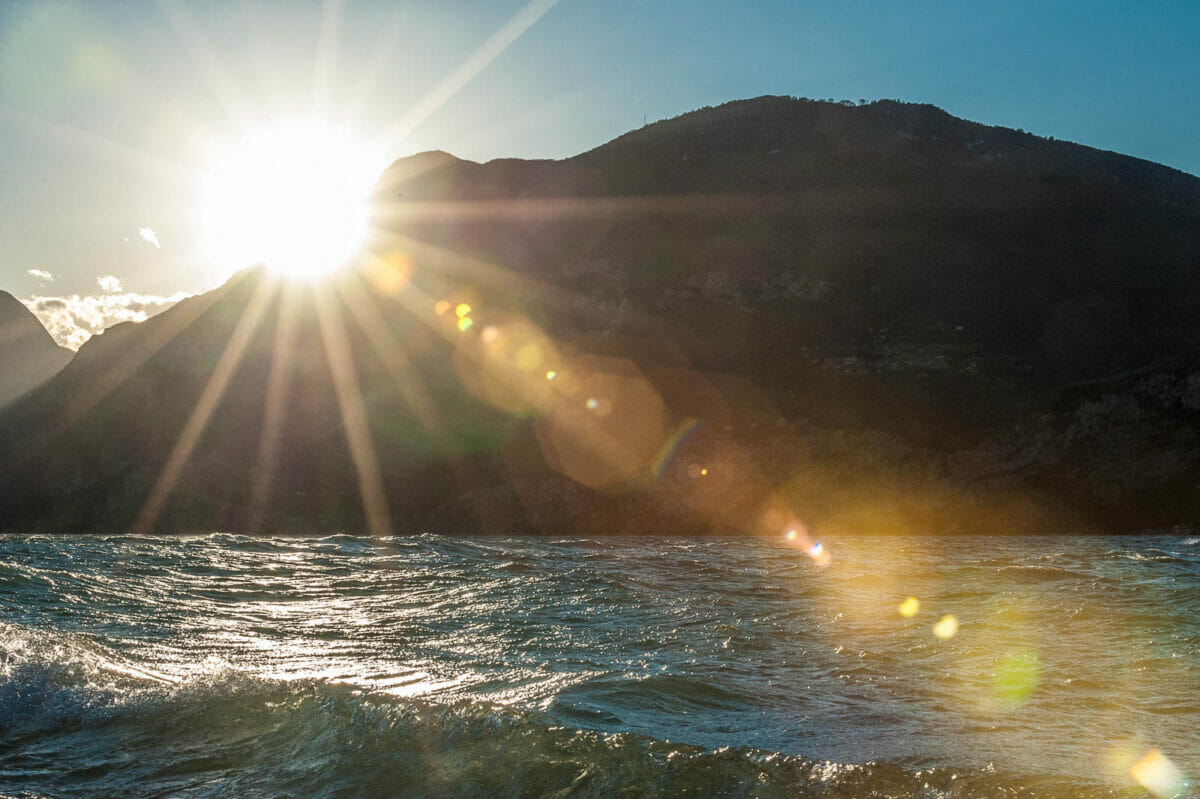 ray of light and waves