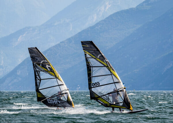 windsurf slalom