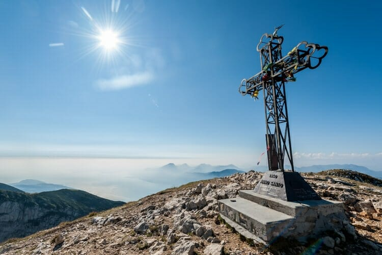 cross at telegrafo's tip on monte baldo