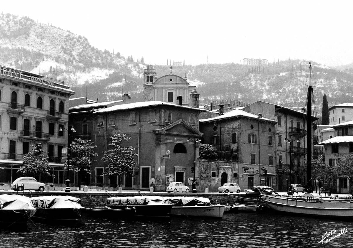 harbour of malcesine with snow